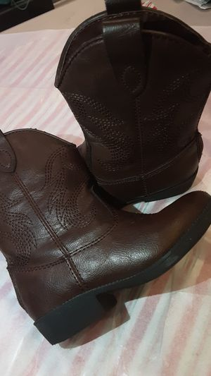 Cowgirl boots for toddler girl size 7 for Sale in Los Angeles, CA