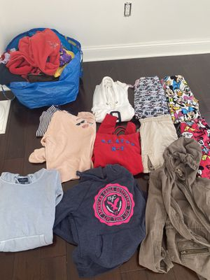 New and use winter cloths for free for Sale in Kettering, MD