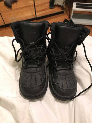 Nike snow boots sz 2y kids for Sale in Melrose Park, IL