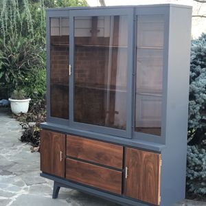 Vintage Mid Century Modern Gorgeous Hutch for Sale in Centreville, VA