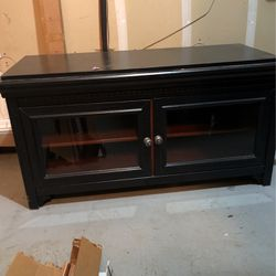 Tv Console Table/cabinet for Sale in Vancouver,  WA
