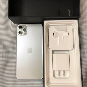 iPhone 11 pro max for sell if you are interested to buy contact us for Sale in Miami, FL