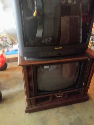 Floor model t.v. like new for Sale in Rustburg, VA
