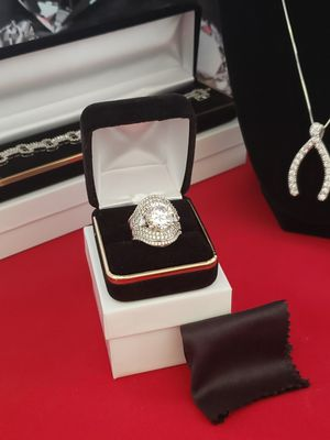 Vintage Solid silver simulated diamond. Sz 7 for Sale in Meriden, CT