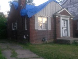 House for Sale in Detroit, MI