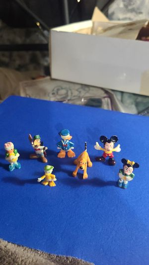 7 vintage Disney miniatures *plastic* for Sale in Hayward, CA
