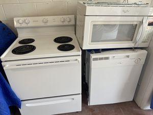 White kitchen appliances set. Stove/oven/range, mounted microwave and dishwasher. Whirlpool and Frigidaire by Electrolux. Great condition. You can te for Sale in Orlando, FL