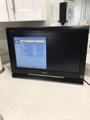 22 inch Sony Bravia TV no remote for Sale in Davie, FL