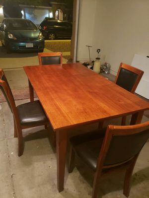 Beautiful table and chairs - Can deliver for Sale in Chandler, AZ