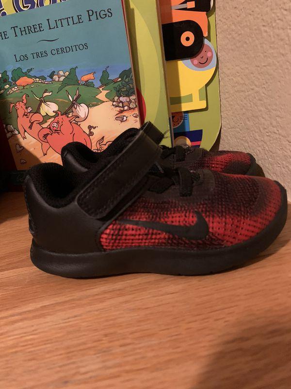 Toddler Nike size 7
