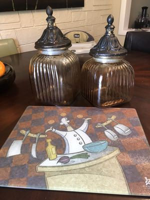 Kitchen storage glass containers/ cutting board for Sale in Casselberry, FL