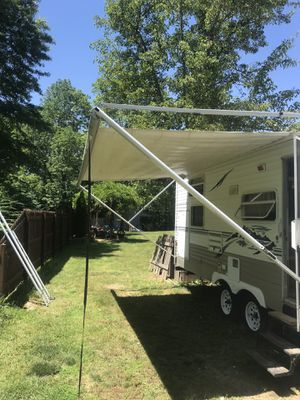 18 foot camper awning roller and arms no canvas for Sale in Providence, RI
