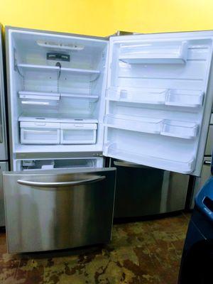 "33"" Refrigerator for Sale in Whittier, CA"