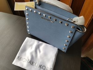 Michael Kors Selma Studded Messenger Bag for Sale in Alexandria, VA