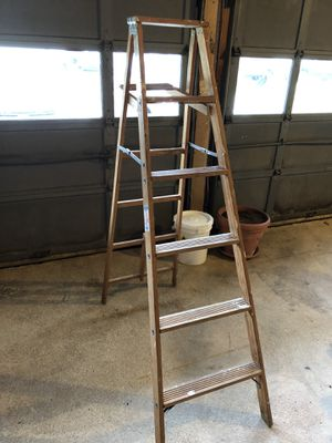 Wooden 6' ladder for Sale in Hauppauge, NY