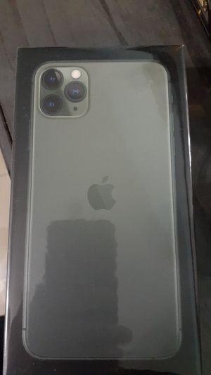 Iphone 11 X mac pro unlock for Sale in Poinciana, FL