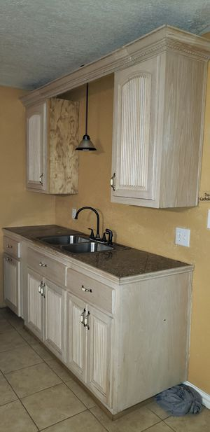 Kitchen set w/Island n wine rack for Sale in San Benito, TX
