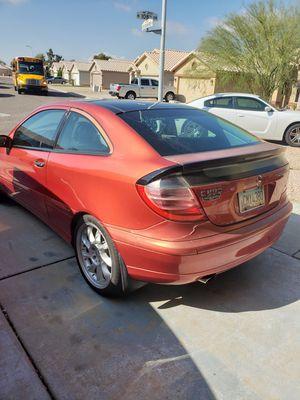 2003 Mercedes Benz c230 para partes motor y transmission buenas only for parts for Sale in Phoenix, AZ