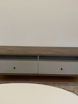 PERFECT CONDITION wood and lacquer TV stand for Sale in Brooklyn,  NY