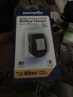 Digipower digital camera and DSLR Battery charger works with 100.s of models and batteries for Sale in Cape Coral, FL