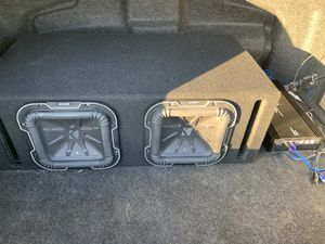 """Complete system no trades kr low bals q series kicker 8"""" 1500 watts with ground shake ported box and amplifiar for Sale in Reedley, CA"""