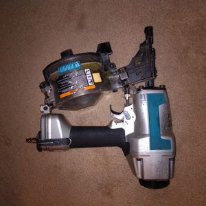Makita Coil Siding Nailer Model AN611 $150obo for Sale in Federal Way, WA