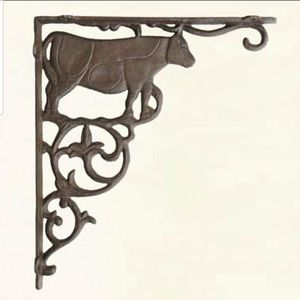 "Brand New! 11 1/2"" Rustic Cow Farmhouse Plant Hanger for Sale in Miami, FL"