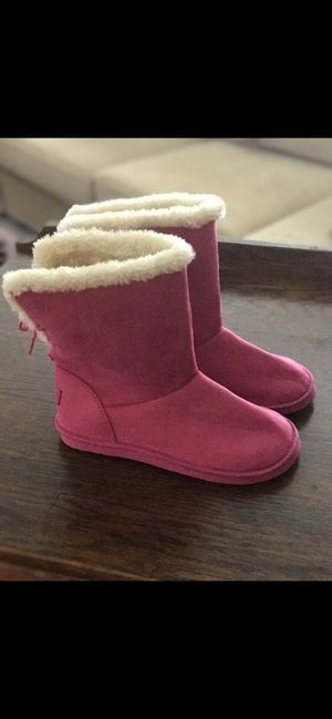 Big Girl size 3 Oshkosh Pink Suede Boots! for Sale in Huntersville, NC
