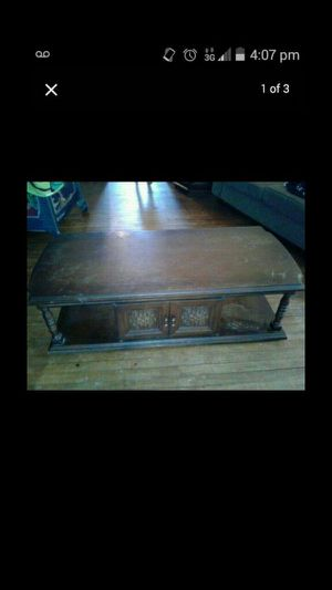 coffee table and two matching end tables for Sale in Cleveland, OH