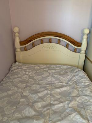 Girls bedroom suite for Sale in Toms River, NJ