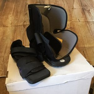 Darcy Black wedge & boot medical rehab shoe size Medium for Sale in Port St. Lucie, FL