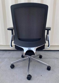 NEW HON Lota model H2283VA10 full adjustment recline mesh back office Chair in Black Cushion Seat Polished Aluminum MSRP $925 for Sale in West Covina,  CA