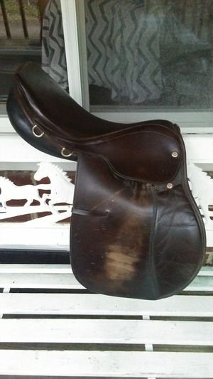 English Riding Saddle for Sale in Gate City, VA