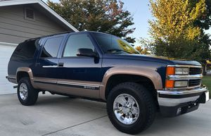 🍁Good running vehicle 1996 Chevrolet Suburban❗Urgent❗🍁!4WDWheelss!🍁 for Sale in Washington, DC