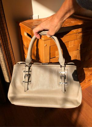 Vera Wang hand bag for Sale in Martinsburg, WV