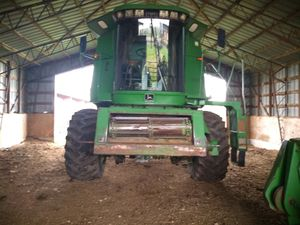 1991 John Deere 9500 combine w/head and wagon for Sale in Falcon, MO