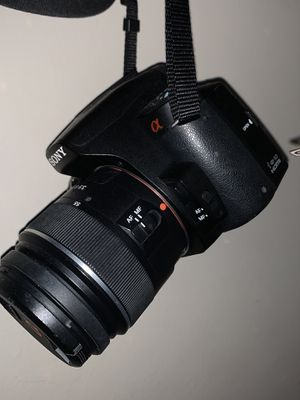 Dslr camera Sony a390 alpha older model for Sale in Chicago, IL