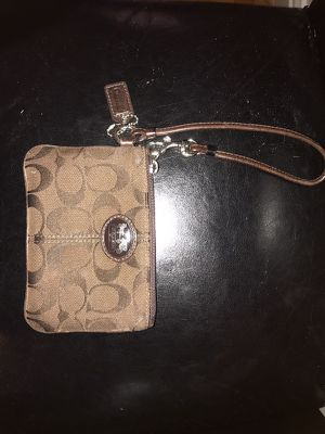 Brown Coach Wristlet for Sale in San Francisco, CA