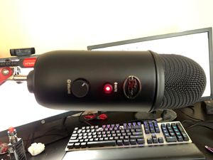 Blue Yeti Black Out. for Sale in Renton, WA