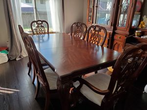Dining set with hutch for Sale in Tacoma, WA