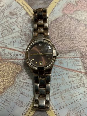 Ladies Luxe Diamond Watch for Sale in Virginia Beach, VA