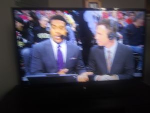 40inch toshiba tv works excellent i just bought a 60 inch only reason selling this one for Sale in Lowell, MA