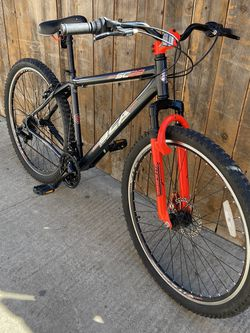Mountain Bike for Sale in Whittier,  CA
