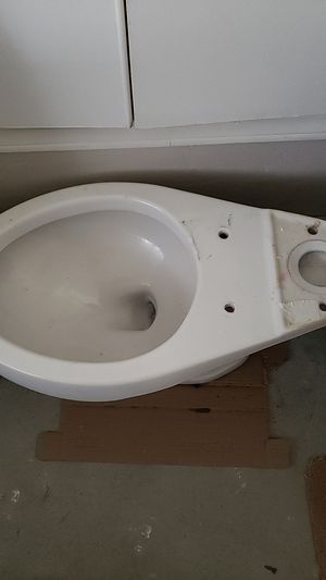 Toilet,no tank,free you pick up. for Sale in Arroyo Grande, CA