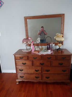 Household furnitures,Lamps, oven All's must Sell!Lamps or best offer'vintage-You pick up items -Cash only please$(Stoutlaura709@gmail) for Sale in San Bernardino, CA