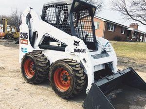 $3OOO Price URGENT For sale BOBCAT SKID STEER for Sale in Wichita, KS