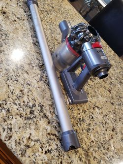 Dyson V8 for Sale in Lake Elsinore,  CA