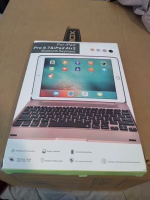 Bluetooth keyboard for iPad 9,7 &i pad air 2 for Sale in Chula Vista, CA