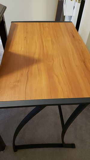 Computer Desk for Sale in Clinton, MD