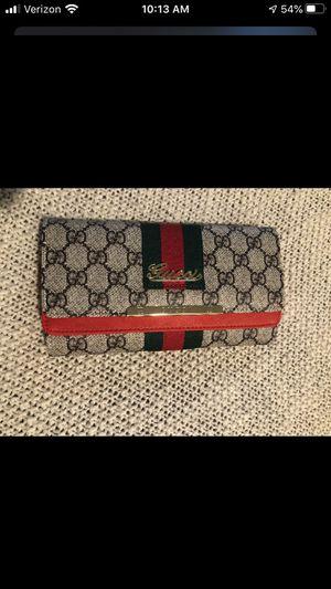 Gucci button wallet for Sale in Livonia, MI